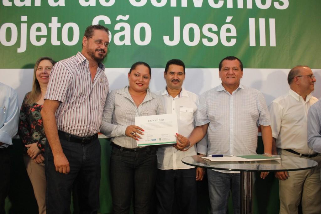 Prefeitos e representantes de entidades estiveram na SDA (Foto: Marcel Bezerra)