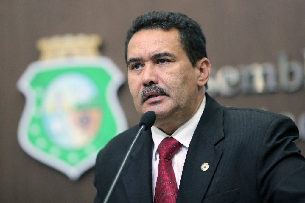 Moisés criticou reestruturação anunciada pelo BB (Foto: Máximo Moura/ALEC)