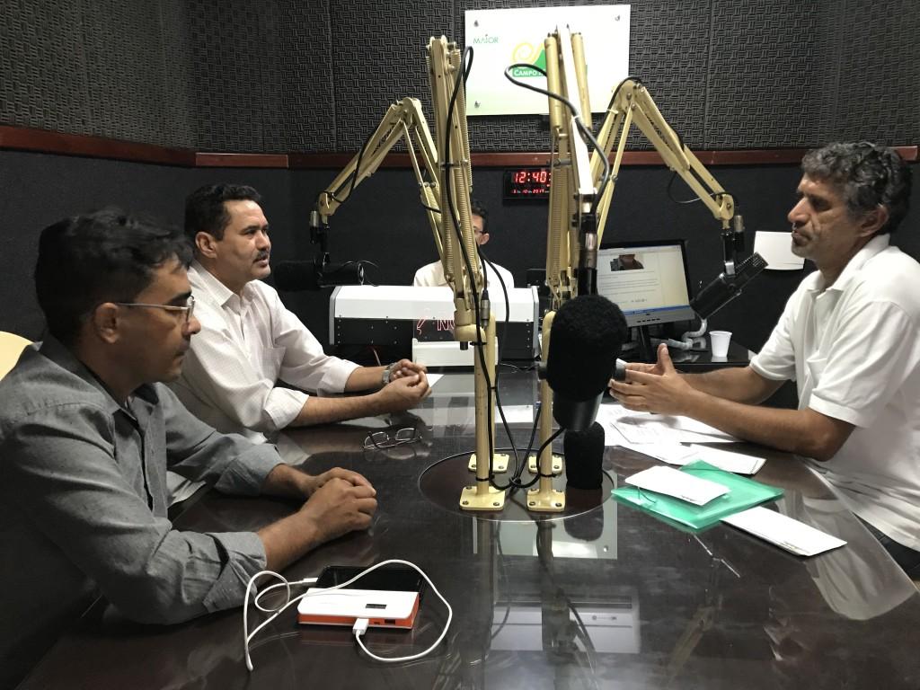 Deputado Moisés Braz (PT) concede entrevista ao programa Repórter Ceará comandado pelo radialista Ronildo Saldanha na rádio Campo Maior de Quixeramobim